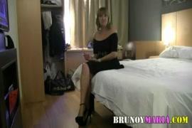 Videos pornos de profesoras tenienso sexo con su alumno de pene grande