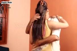 Hombre le hace el amor a una burra en video