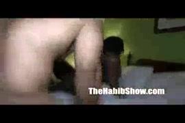 Descargar videos gay de honmbres cachando con animales